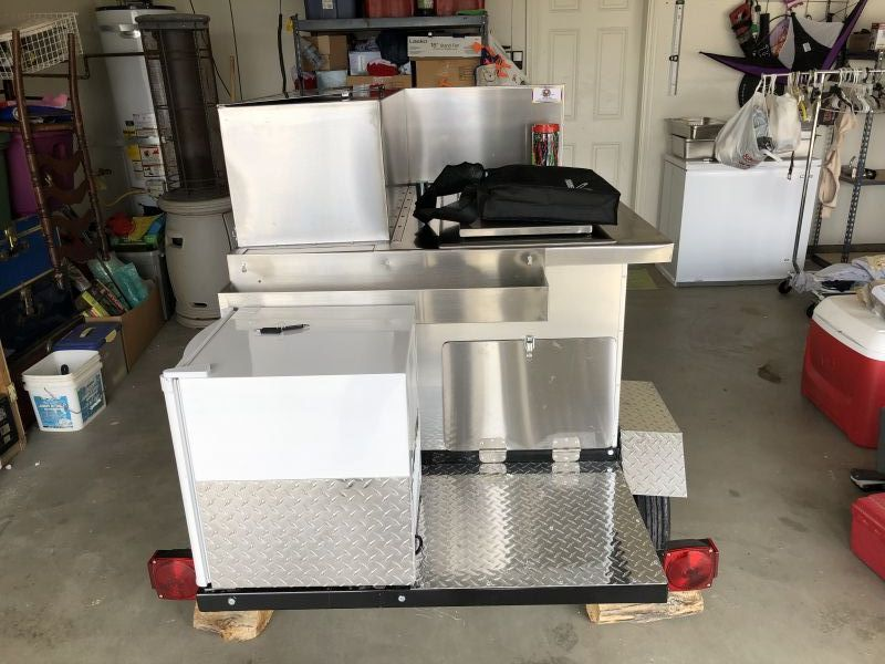 Desert Dawgs/ Mobile Cart